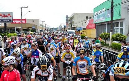 Desafio Márcio May reúne 560 ciclistas em SC