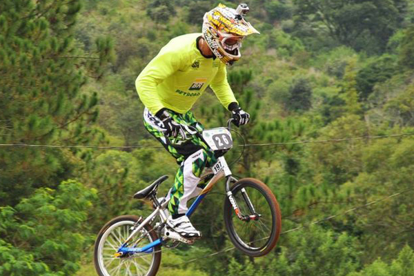 Renato Rezende está na seleção de BMX desde 2009