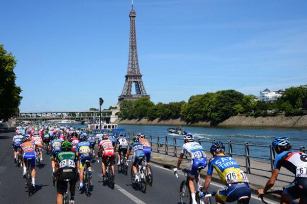 Tour de France 2012 encerra em Paris