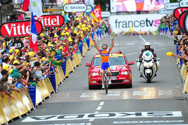 Ciclista espanhol Luis Sanchez vence 14ª etapa do Tour de France 2012