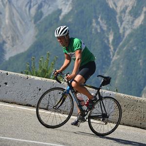 Na Haute Route, ciclistas amadores enfrentam crono individual em Alpe d'Huez; veja vídeo