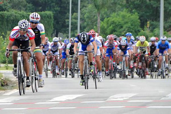 Alex Carvalho, da equipe de Campinas, vence 2ª etapa do Valeparaibano de Ciclismo