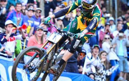 Melhores momentos da decisão do downhill no Mundial de MTB