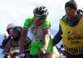 Veja o momento em que fã empurra ciclista da Bardiani na 20ª etapa do Giro