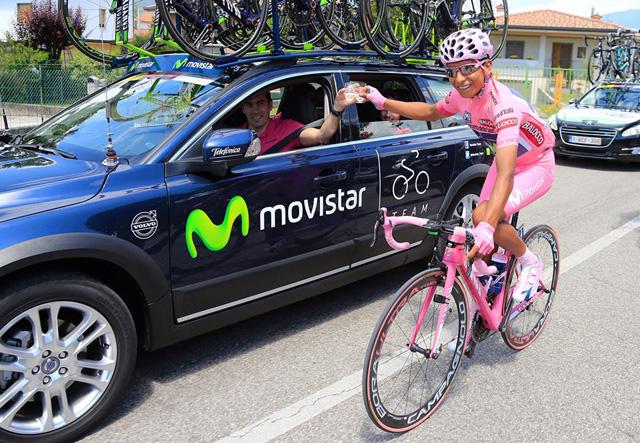 Nairo Quintana no tradicional brinde da última etapa do Giro D'Itália