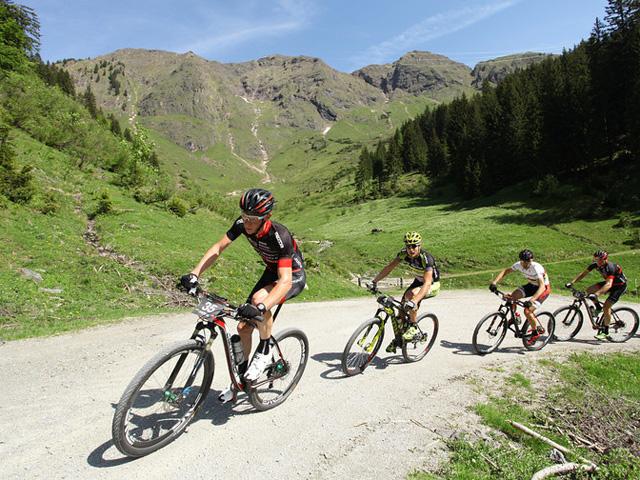 Bikemagazine – Christoph Sauser lidera a Bike Four Peaks ...