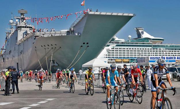 """Largada foi no navio """"Juan Carlos"""", principal embarcação da Marinha da Espanha"""