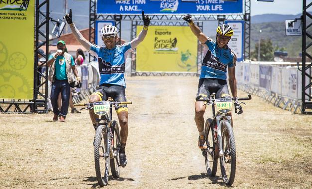 Bart Brentjens e Abraão Azevedo, vencedores da Máster Foto: Fabio Piva