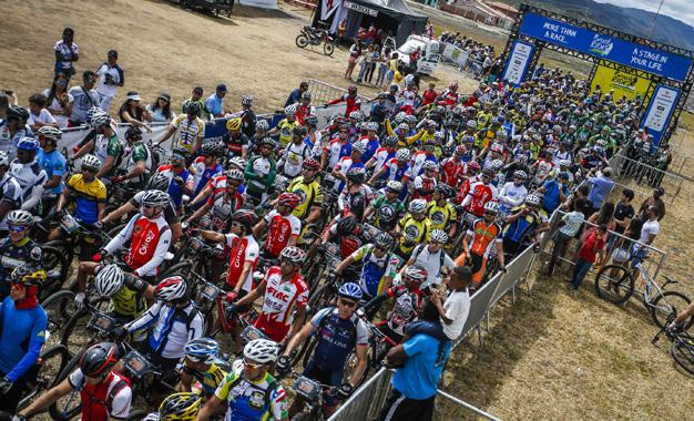 Largada da última etapa da Brasil Ride Foto: Fabio Piva