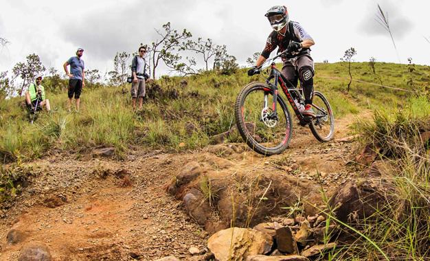 http://www.bikemagazine.com.br/wp-content/uploads/2015/03/2015-Thiago-Boaretto.jpg