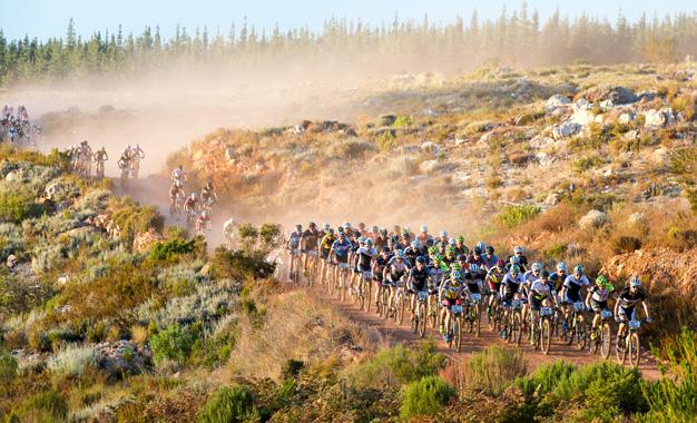 """Ultramaratona Cape Epic é conhecido como o """"Tour de France do MTB"""" Foto: Sportzpics"""