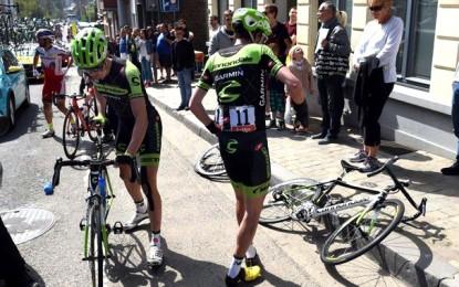 Flèche Wallonne tem série de quedas, inclusive de Froome e Gilbert