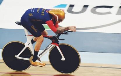 Wiggins pedala 54,526 km e bate novo recorde da hora