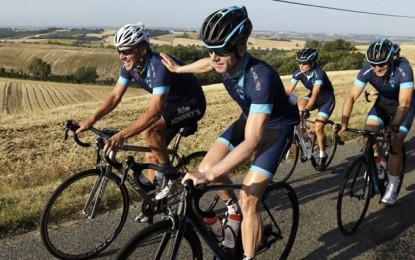 """""""É bom estar de volta à França"""", diz Lance Armstrong"""