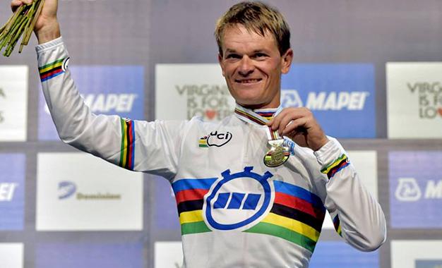 Vasil Kiryienka é o campeão mundial 2015 de contrarrelógio Foto:UCI