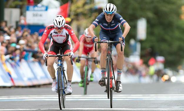 Felix Gall e Clement Betouigt-Suire no sprint em Richmond