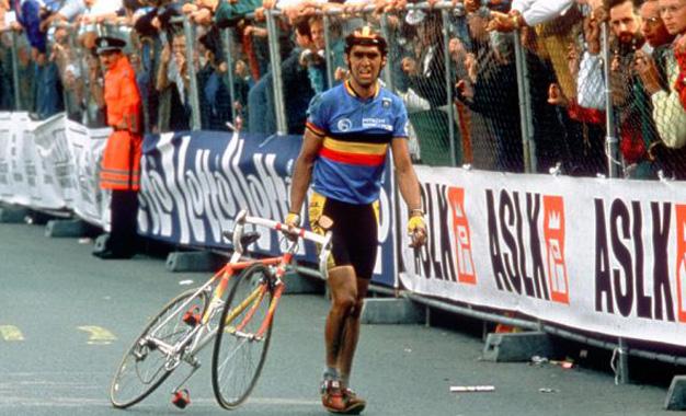 O belga Claude Criquielion na chegada do Mundial de 1998