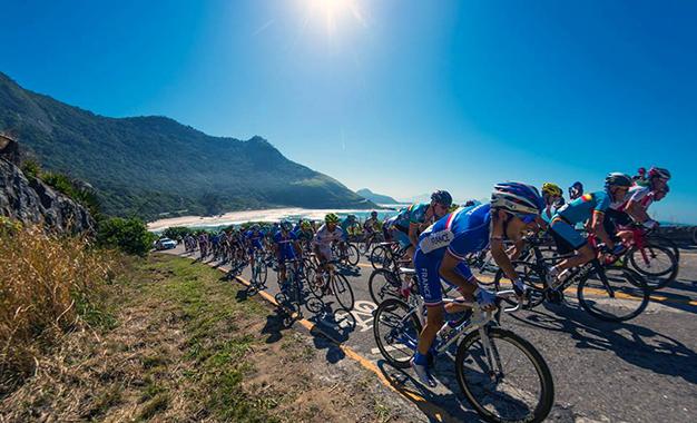 Pelotão no Aquece Rio de Ciclismo Foto: Rio 2016/Alex Ferro