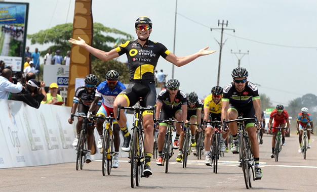 Petit comemora a vitória na 5ª etapa no Gabão