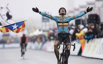 Aos 21 anos, Wout Van Aert é o novo campeão mundial de ciclocross