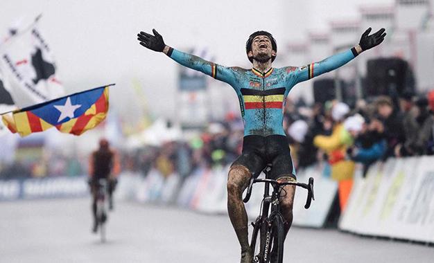 Wout Van Aert na vitória do título mundial do ciclocross