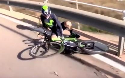 Mais um? Após queda, roda gira sozinha em prova na Espanha