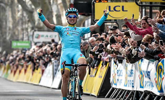 Cazaque Alexey Lutsenko na 5ª etapa da Paris-Nice