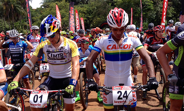 Avancini e Fred Mariano na largada do XCO em Araxá Foto: Dani Prandi