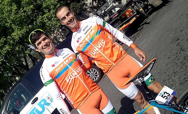 Os espanhóis Pablo Urtasun (esquerda) e Antonio Piedra