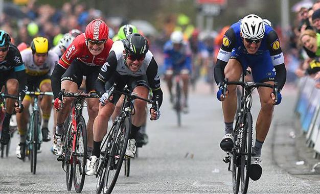 Kittel bate Cavendish e Greipel na belga Scheldeprijs Foto: Etixx-QuickStep