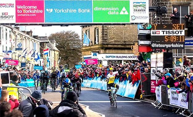 Tour de Yorkshire: Dylan Groenewegen surpreende no sprint; Bradley Wiggins abandona