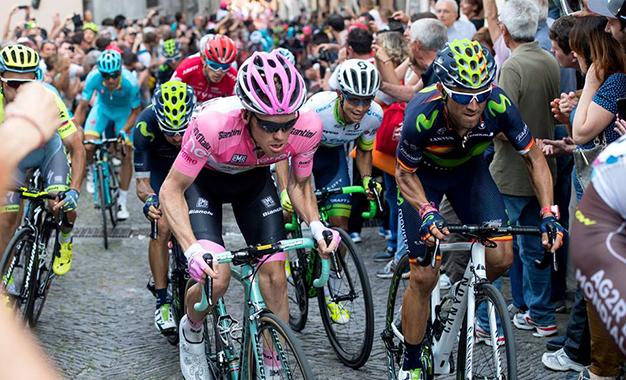 GRupo do maglia rosa Steven Kruijswijk