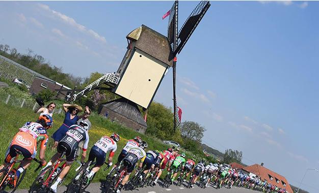 No percurso da 2ª etapa do Giro, ainda na Holanda