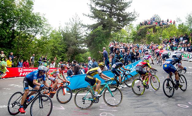 Pelotão na 11ª etapa do Giro D'Itália