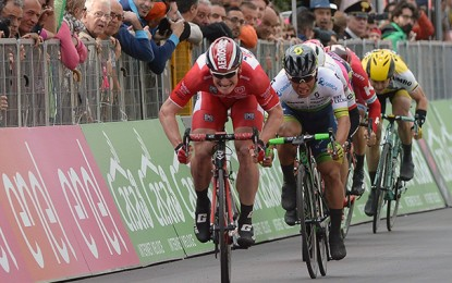 Giro: Greipel vence pela 3ª vez;  Jungels mantém maglia rosa