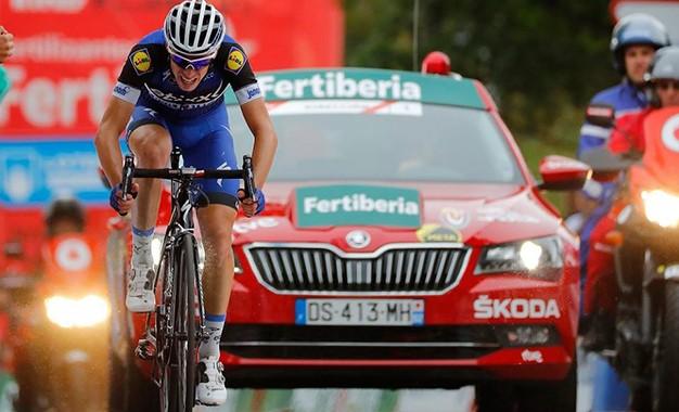 Vuelta: David de la Cruz cruza sozinho e conquista a liderança geral