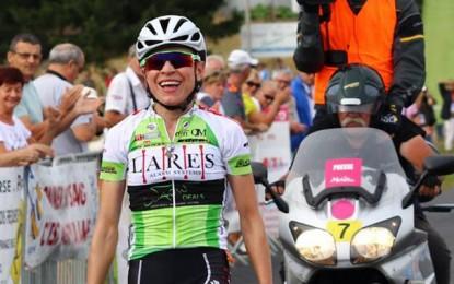 Flávia Oliveira assina com a equipe belga Lares-Waowdeals
