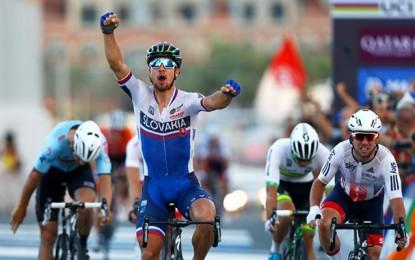 Mundial em Doha: Sagan bate Cavendish no sprint e é bicampeão