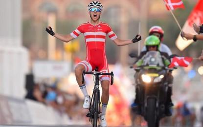 Dinamarquês cruza sozinho e fatura o Mundial na categoria Junior