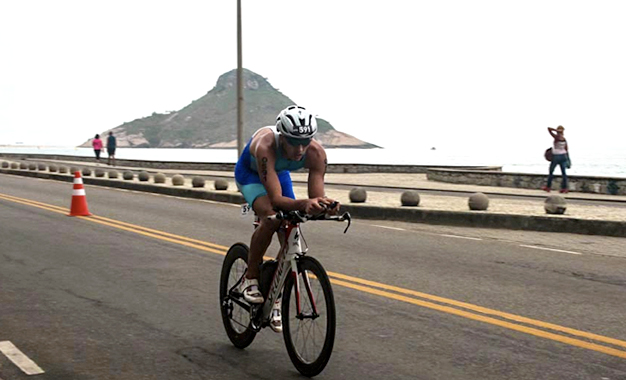 No percurso do ciclismo do Ironman Rio 70.3