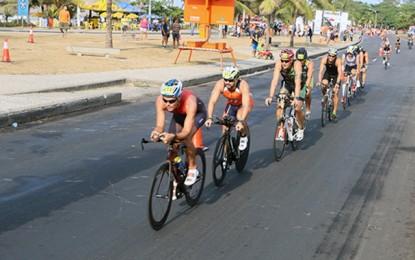 Rei e Rainha do Mar e Rio Triathlon agitam fim de semana carioca