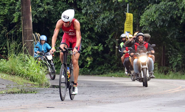 Colucci na prova do ciclismo