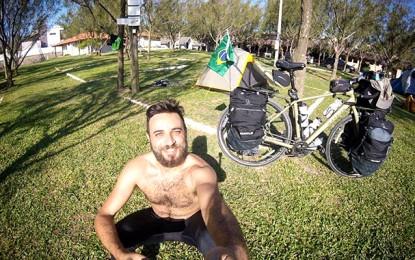 Jornalista Israel Coifman começa volta ao mundo de bicicleta
