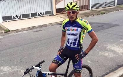 Alex Diniz muda de equipe e também vai disputar provas de MTB