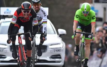 Omloop Het Nieuwsblad: Greg Van Avermaet bate Sagan e é bicampeão