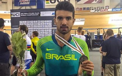 Lauro Chaman conquista três medalhas no Mundial de Paraciclismo