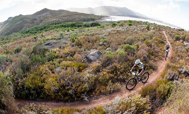 Fumic e Avancini caíram para 3º lugar na geral Foto: Sam Clark/Cape Epic/SPORTZPICS