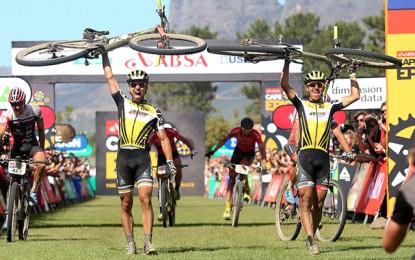 Cape Epic: Nino Schurter e Stirnemann são os campeões; Avancini e Fumic em 5º