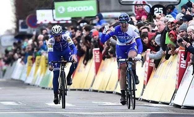 Arnaud Demare venceu pela 2ª vez a abertura da Paris-Nice - Foto de divulgação Alex Broadway