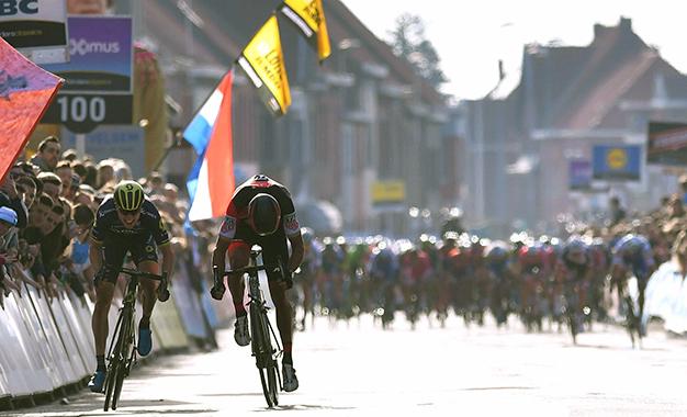 Chegada no sprint com Jens Keukeleire